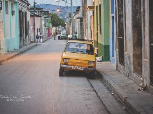 Cuba, Santiago , maluch , stare samochody