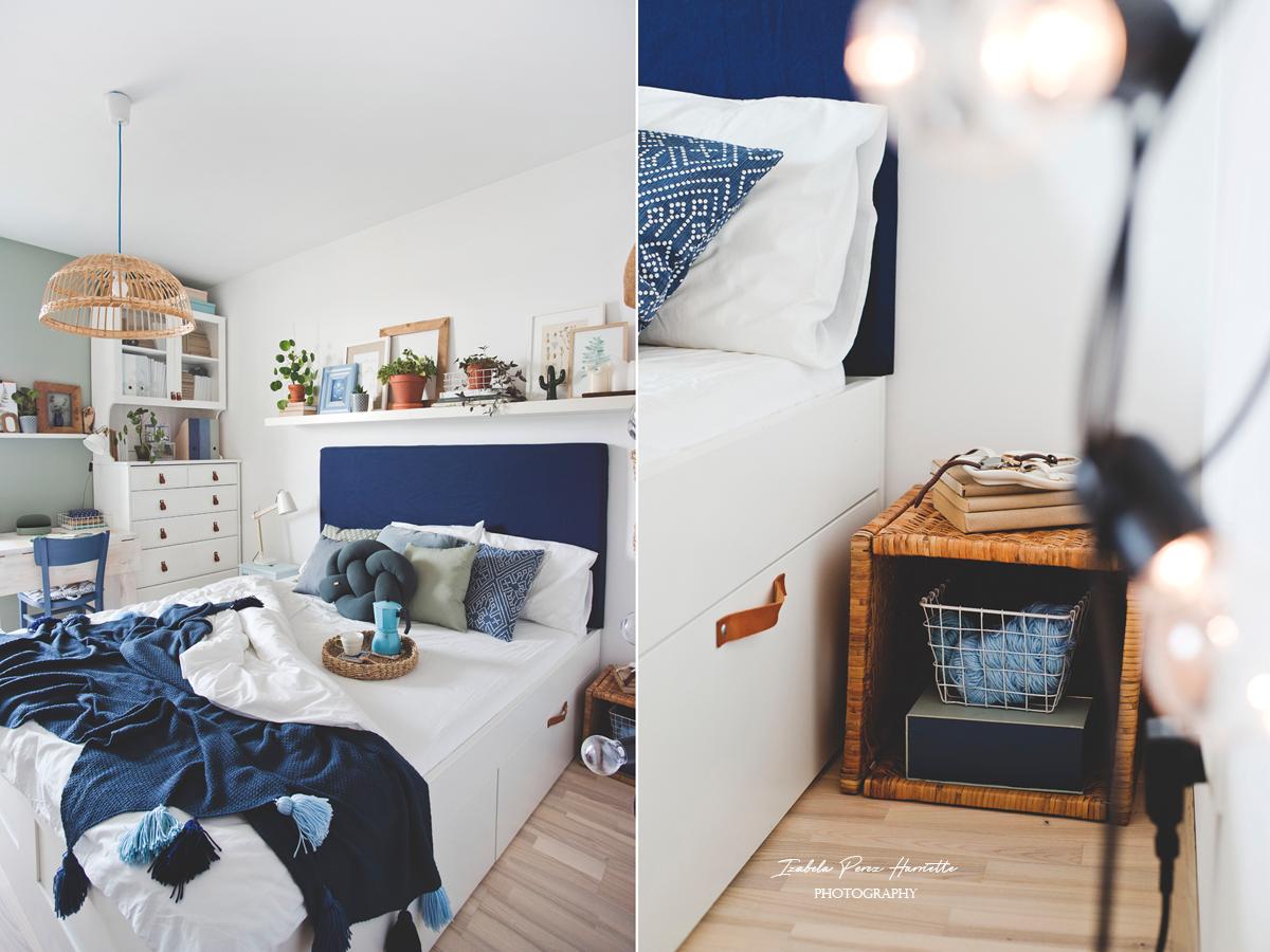 skandynawska sypialnia, biały kredens, metamorfoza kredensu, niebieskie dekoracjie, bambusowa lampa