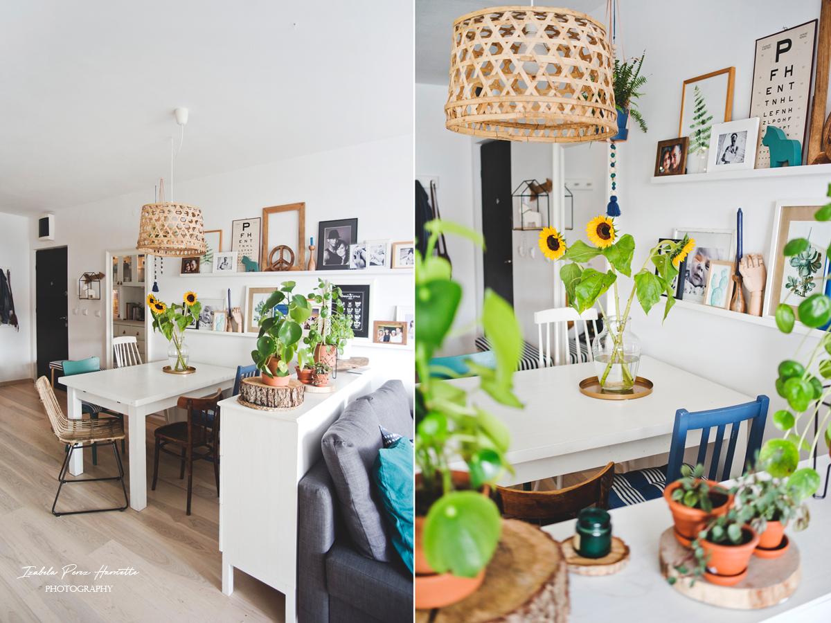 ratanowe krzesło, jadalnia, różnorodne krzesła przy stole, styl eklektyczny,krzesła zdekompletowane