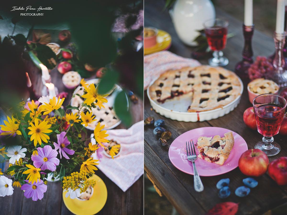tarta ze śliwkami, jesienny stół, topinambur, kosmosy, tarta na oleju, dobre strony jesieni