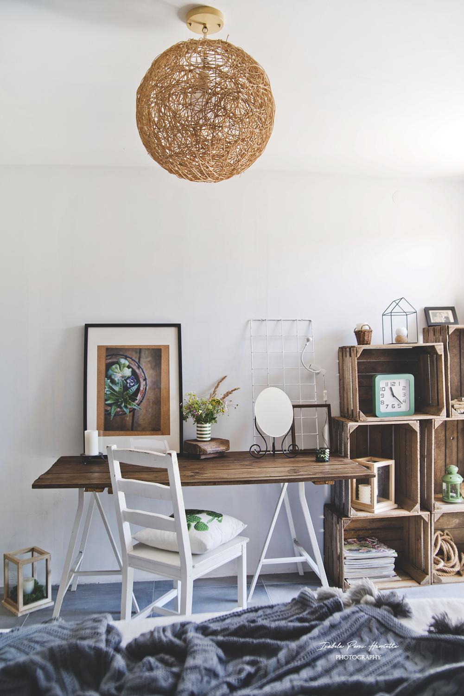 domowe biuro, biurko ze starych drzwi, pokój letni, home office, nordicstyle
