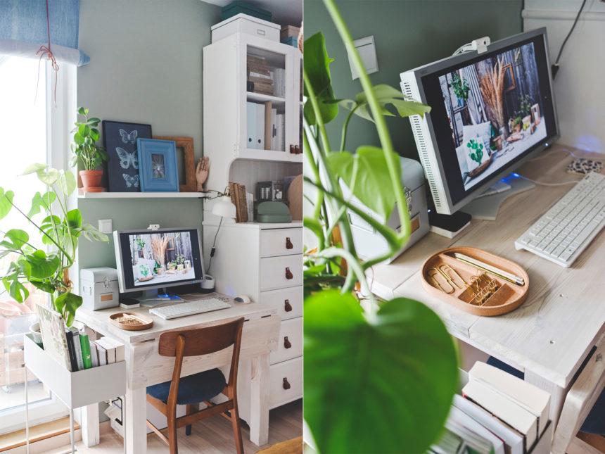 drewniane biurko, biurko z rozkładanym blatem, małe biurko, stare deski, bielone drewno, projekt drewnianego biurka